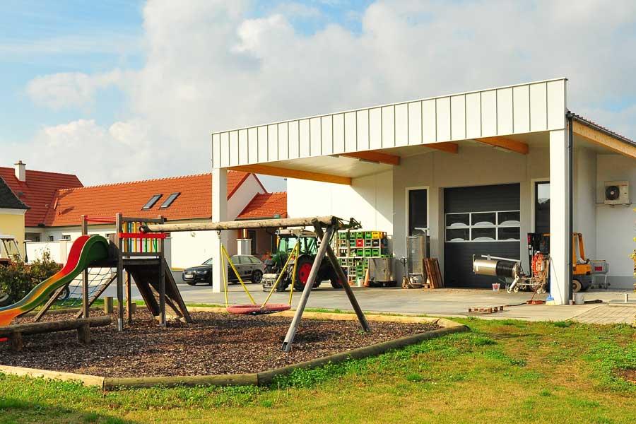 neues Betriebsgebaeude ab 2011 Weinbau Schabel